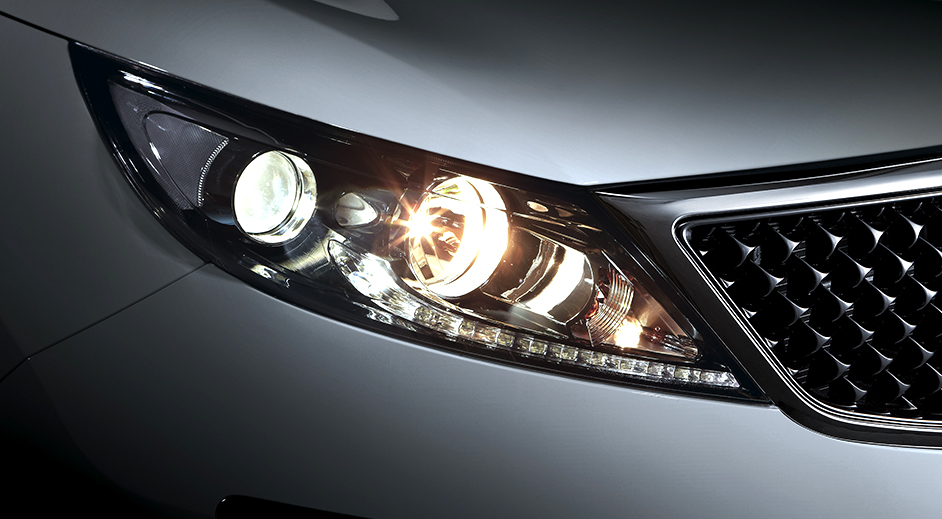 Kia Sportage EXterior Headlamps with escort function